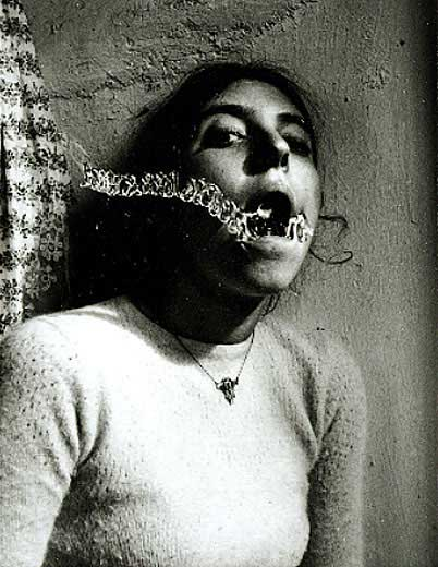 francesca-woodman-self-portrait.jpg